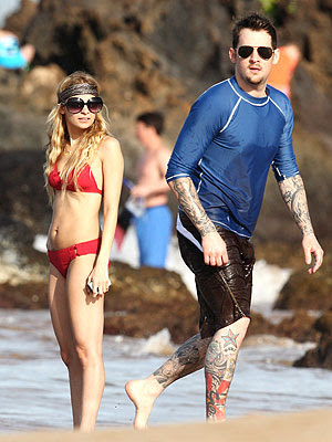 Nicole Richie Red Hair. Nicole Richie in red ikini in