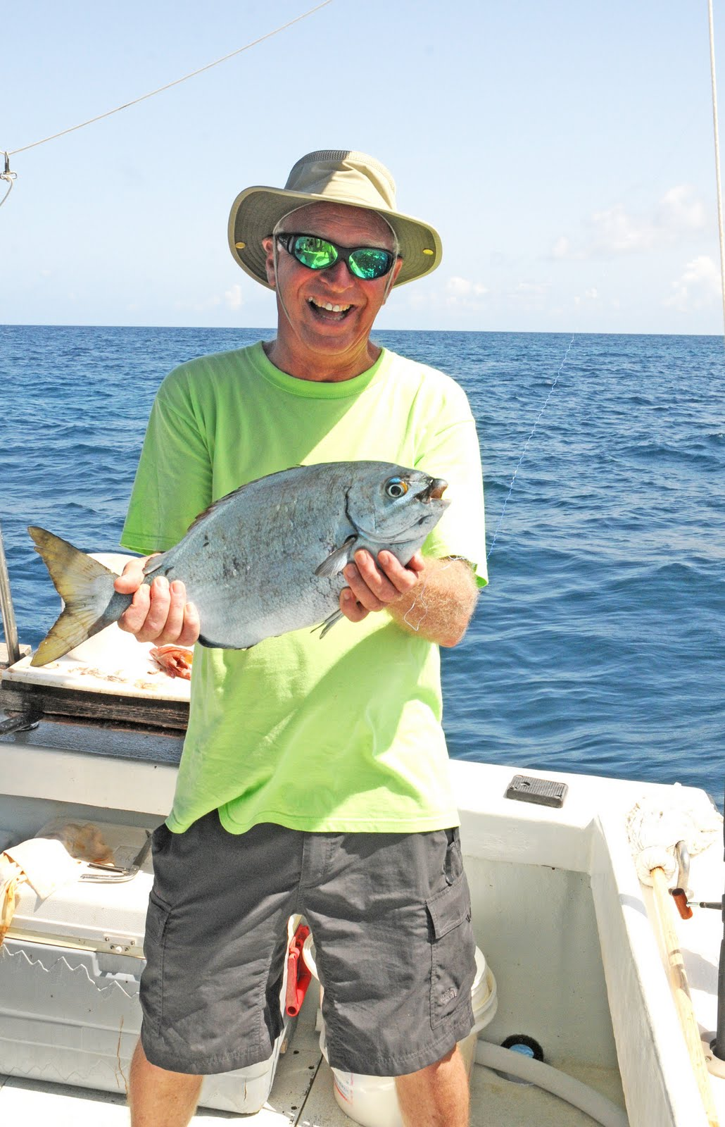 Rivahaven yacht club july 2010 for Fishing in bermuda