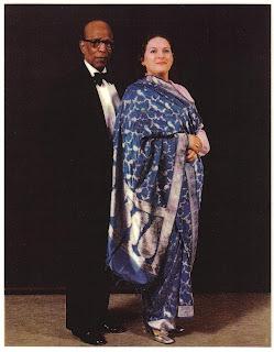 http://1.bp.blogspot.com/_kgLIJKKEvnY/Su2qdvMH5HI/AAAAAAAAAAM/F21ZUKwI_NU/s1600-h/CLIFF+AND+SHEBA+SARI-753341.JPG