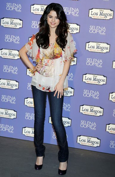 Selena Gomez Zimbio. selena gomez zimbio. selena