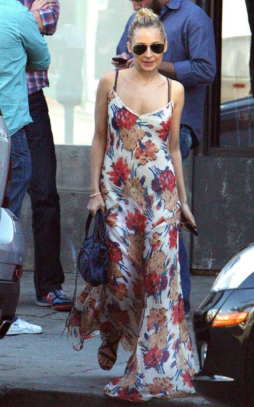 nicole richie winter kate dress. Nicole Richie#39;s Pretty Winter