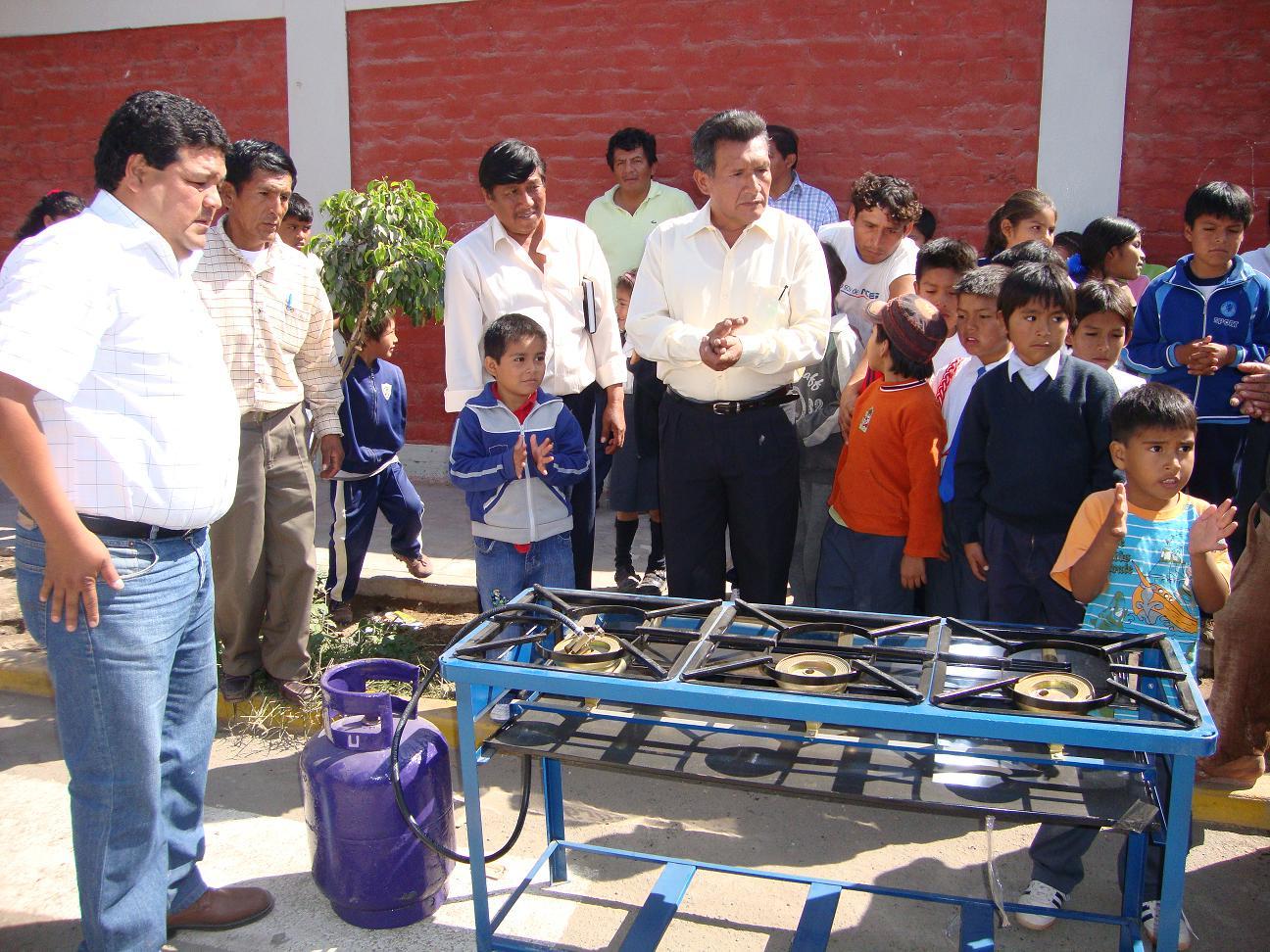Nazcapress implementan comedor estudiantil en el porvenir for Comedor estudiantil