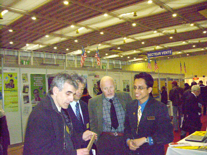 Being evaluated by a group of juries at Geneva's invention April 2008