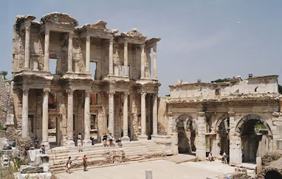 The ancient and mythical ruins of Ephesus in Turkey | Image from Travelife Magazines Suitcase Tales