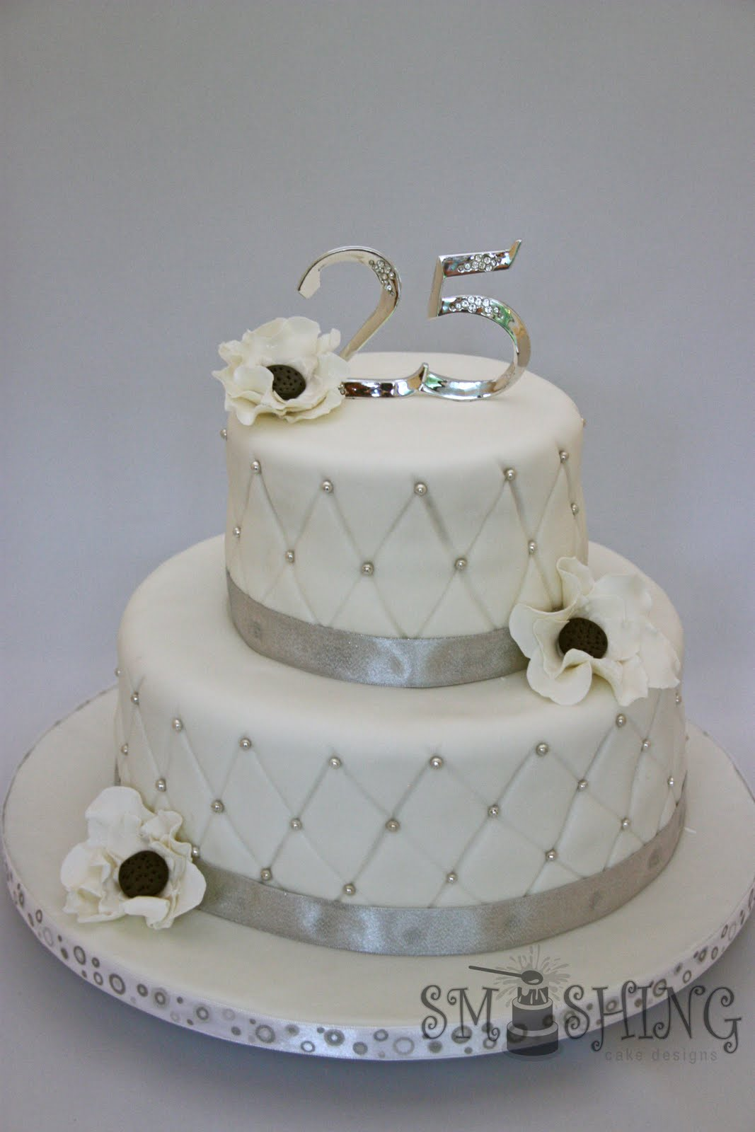 Design Of Cake For Anniversary : Smashing Cake Designs: Silver Anniversary