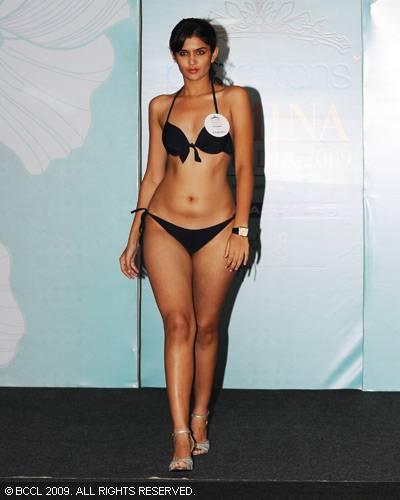 Deeksha Seth Hot Pics In Bikini