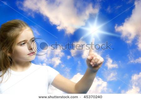 Tocar uma estrela pode ser uma questão de ponto de vista.Ser feliz também!