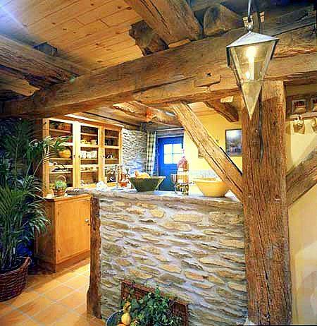 Muebles y decoraci n de interiores cocinas r sticas - Pavimentos rusticos para interiores ...