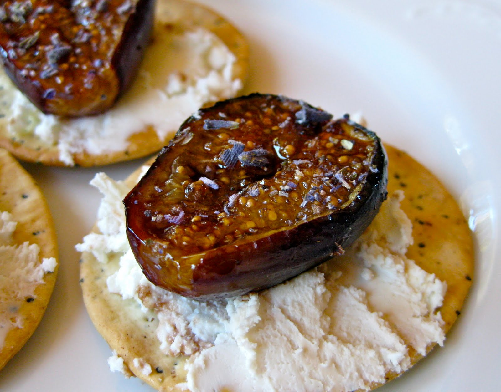 rosemary and bacon figs stuffed with goat cheese fresh figs with ...