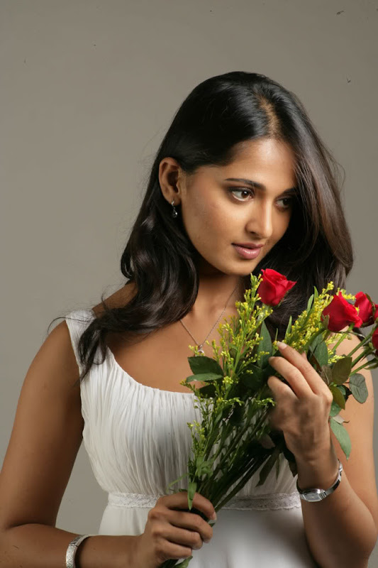 Sexy Anushka Latest Sexy Wallpapers hot images