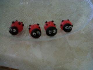 ladybug gumpaste cupcakes