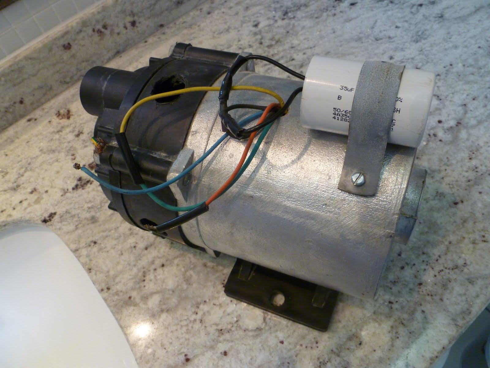 FALO LOGO RECLAMO: O motor da banheira de R$ 900 00 por R$ 5 #664936 1600x1200 Banheiro De Hidro