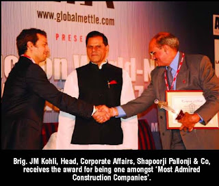 J M Kohli Head Corporate Affairs Shapoorji Pallonji Co Receives The Award For Being One Amongst Most Admired Construction Companies