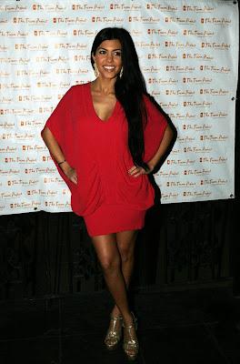 Kim+Kardashian%E2%80%99s+sister+Kourtney+Kardashian+Panty+Upskirt+Pictures+GutterUncensored.com+kardashian up sister 5 big Kim Kardashian's Sister Kourtney Kardashian Panty Upskirt Pictures