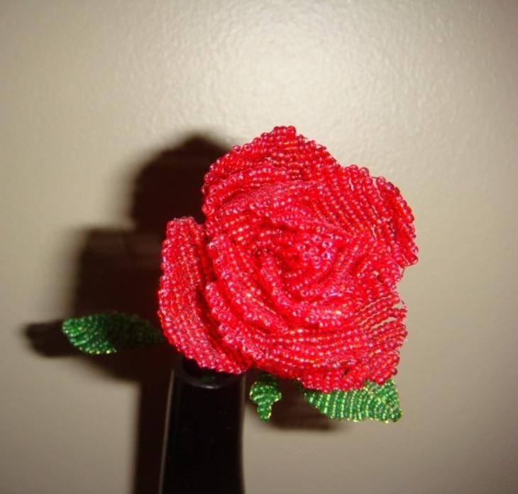 роза из бисера м к - О том, как плести бисером.
