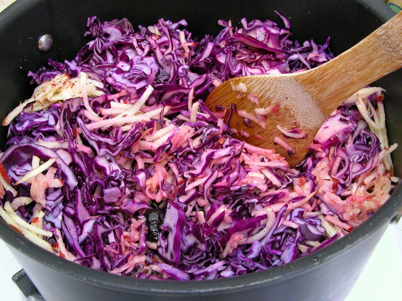 Cooking Weekends: Rotkohl, German Braised Red Cabbage