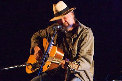 dallas-neil-young-6-7-10