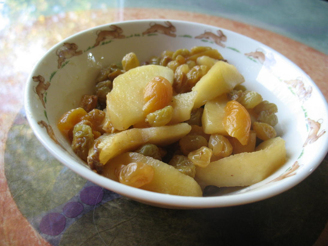 Your baby eats WHAT?!: Chamomile Apple Compote Recipe