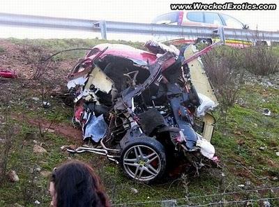 Download Um Mundo De Curiosidades Fotos Acidentes Carros
