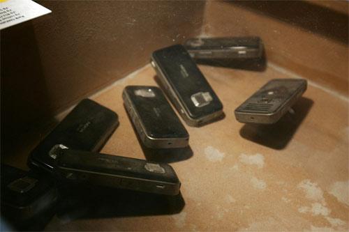 [Image: Nokia+Quality+Testing+%286%29.jpg]