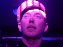 dave graney is  a working musician. A very rare bird.