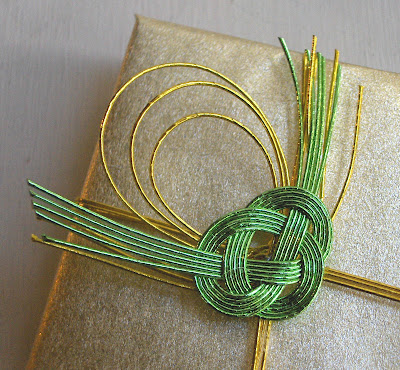 gift wrapping with mizuhiki cord