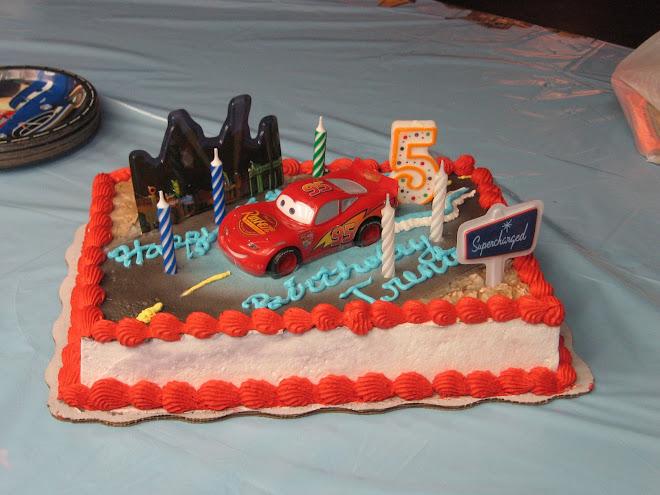 Trents Lightning McQueen cake
