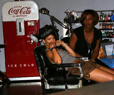Rihanna Gets A New Tattoo