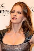Anna Chlumsky Cleavage Shots