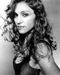 Madonna colaborates with D&G