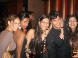 http://1.bp.blogspot.com/_l4HTfXGn-Ns/SXIsJooivWI/AAAAAAAAU80/JY9gfM2VQb8/s400/Sonam+Kapoor-3.jpg