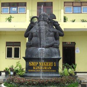 SMP N 1 KUNDURAN - BLORA