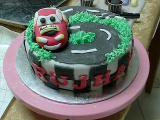 This Is The Birthday Cake For A 6 Year Old Boy He Wanted Lightning McQueen His So I Put No As Track That Will Remember