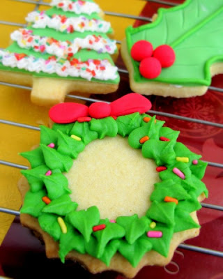 Tasty Christmas wreath cookies home made decoration free Christian Christmas picture download