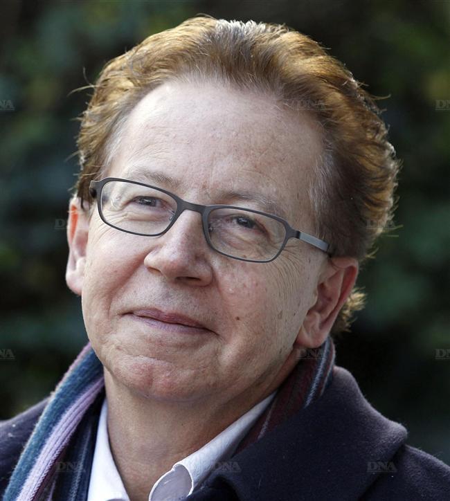 Jean-Michel-Olivier-est-l-auteur-d-une-vingtaine-d-ouvrages_-%2528Photo-AFP%2529.jpg