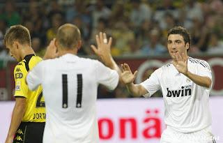 ريال مدريد لم يخسر أي مباراة رسمية ضدَ دورتموند  800Dortmund13