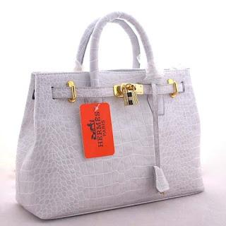 Please note that the bag shown above is a FAKE Birkin bag. d27a1a9f6b822