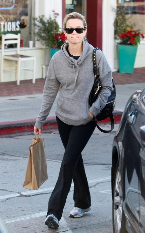 Celebrate Handbags: Reese Witherspoo + Givenchy Petit Pandora ...