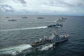 http://1.bp.blogspot.com/_lDdfhU2WWes/Sxu8hc9OOrI/AAAAAAAACWg/yUr9EqLRw0E/s400/Formasi+kapal+perang+RI.jpg