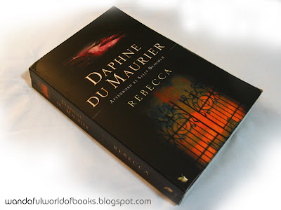Rebecca by Daphne du Maurier Paperback Cover