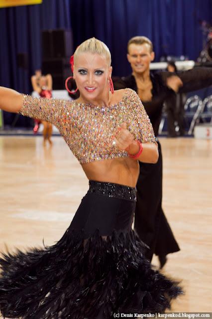 Пара из Австрии Vadim Garbuzov и Katrin Menzinger выступает на чемпионате Европы по 10 танцам в рамках Belarus Open в  Минске, Беларусь 13.11.2010
