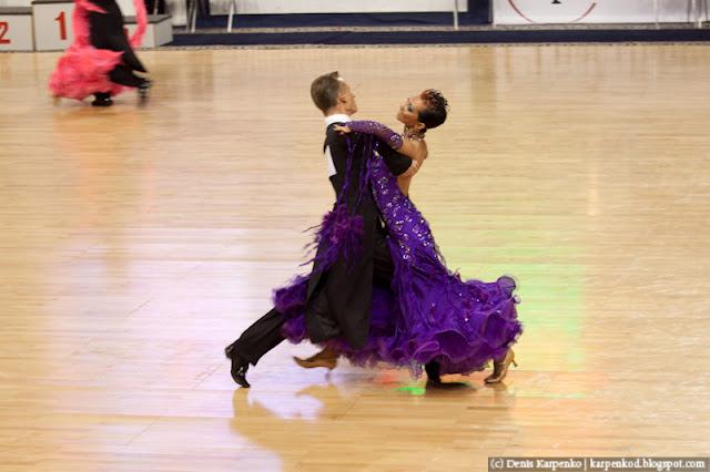 Белоруская пара (Artsiom Kazyra и Anastasia Veslova) выступает на чемпионате Европы по 10 танцам в рамках Belarus Open в  Минске, Беларусь 13.11.2010