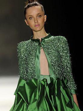 Modelo desfila peça da nova marca da FH, nova marca de Fause Haten na edição Verão 2009 da SPFW