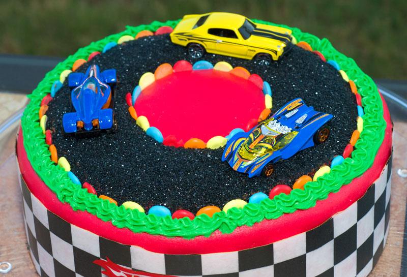how to make a race car shaped cake
