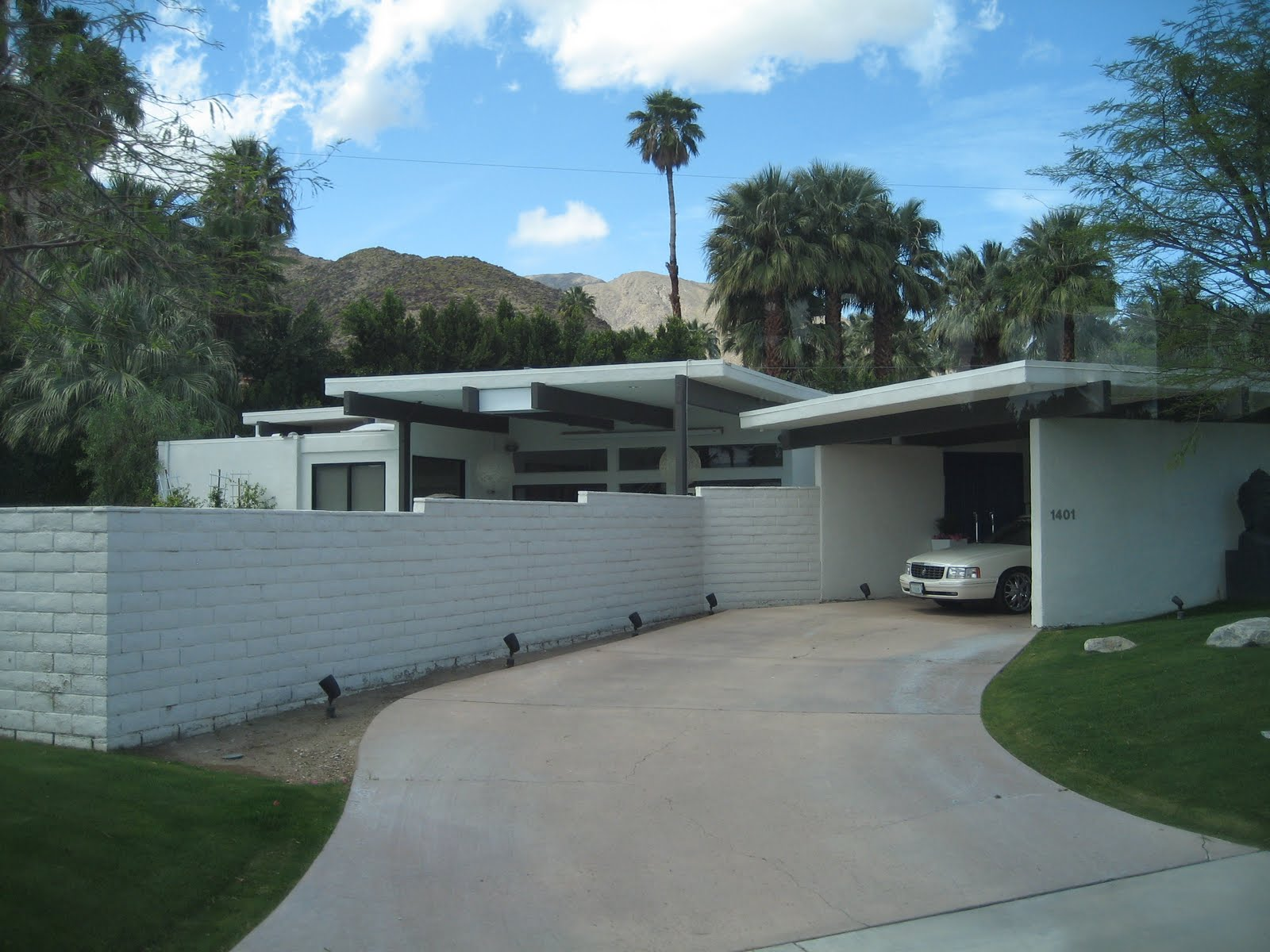 Palm Springs Celebrity Homes Bus Tour - YouTube