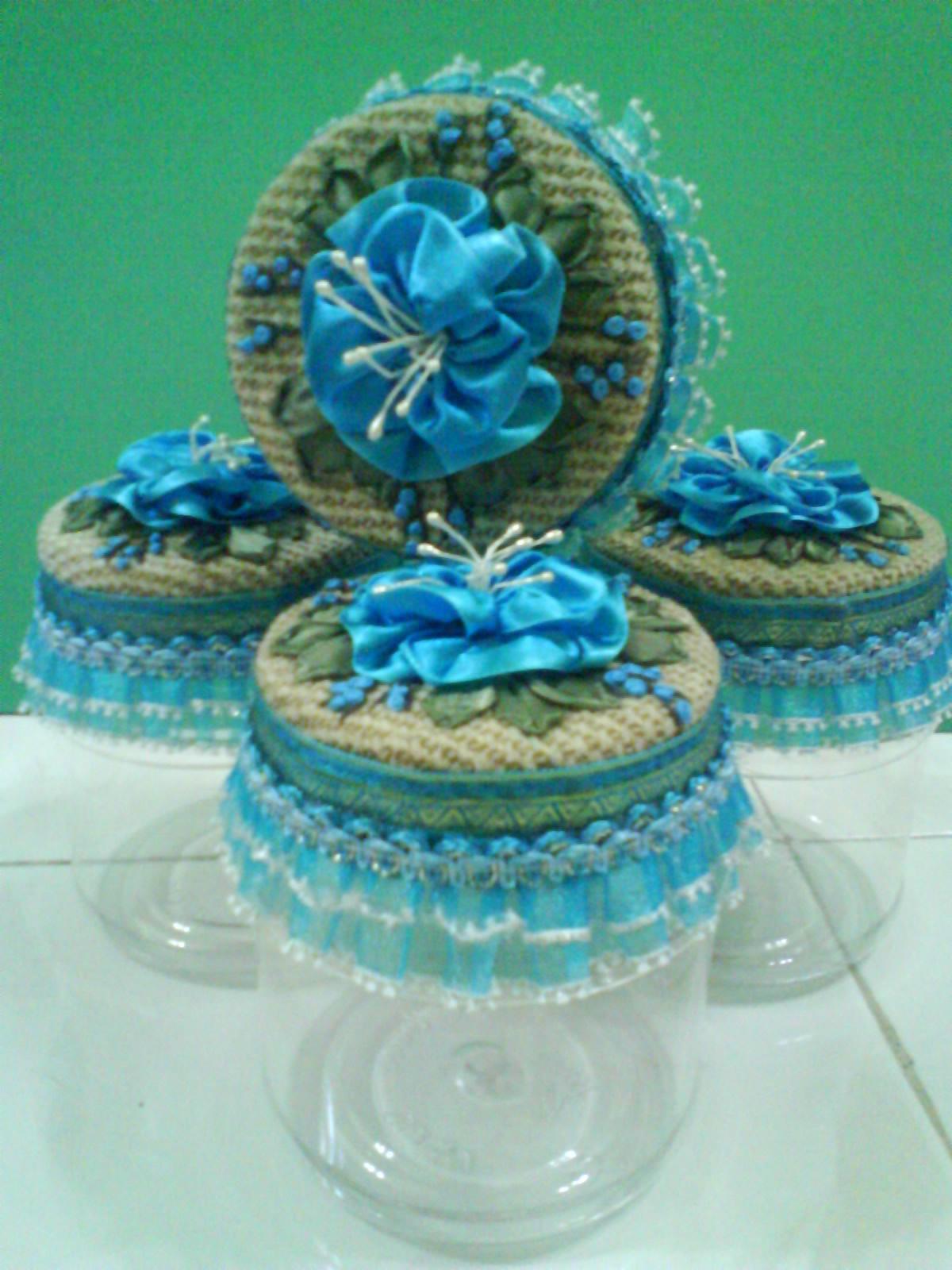 sewing n crafting: Bekas kuih berhias bunga reben