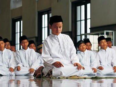 http://1.bp.blogspot.com/_lLTNuSLRkEU/S6nYQfvwdkI/AAAAAAAABAU/Q7wxpA0pRsc/s1600/Shalat+Jamaah-1.jpg