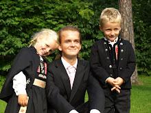 Sønnen min med sine småsøsken