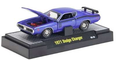 M2 Machines Detroit Muscle Release 8 1971 Dodge Charger Plum Crazy