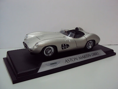 Shelby Collectibles Diecst 59AM05 1959 Aston-Martin DBR 1 1/18th Scale Silver